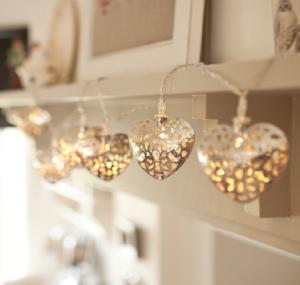 (c) Luzes LED